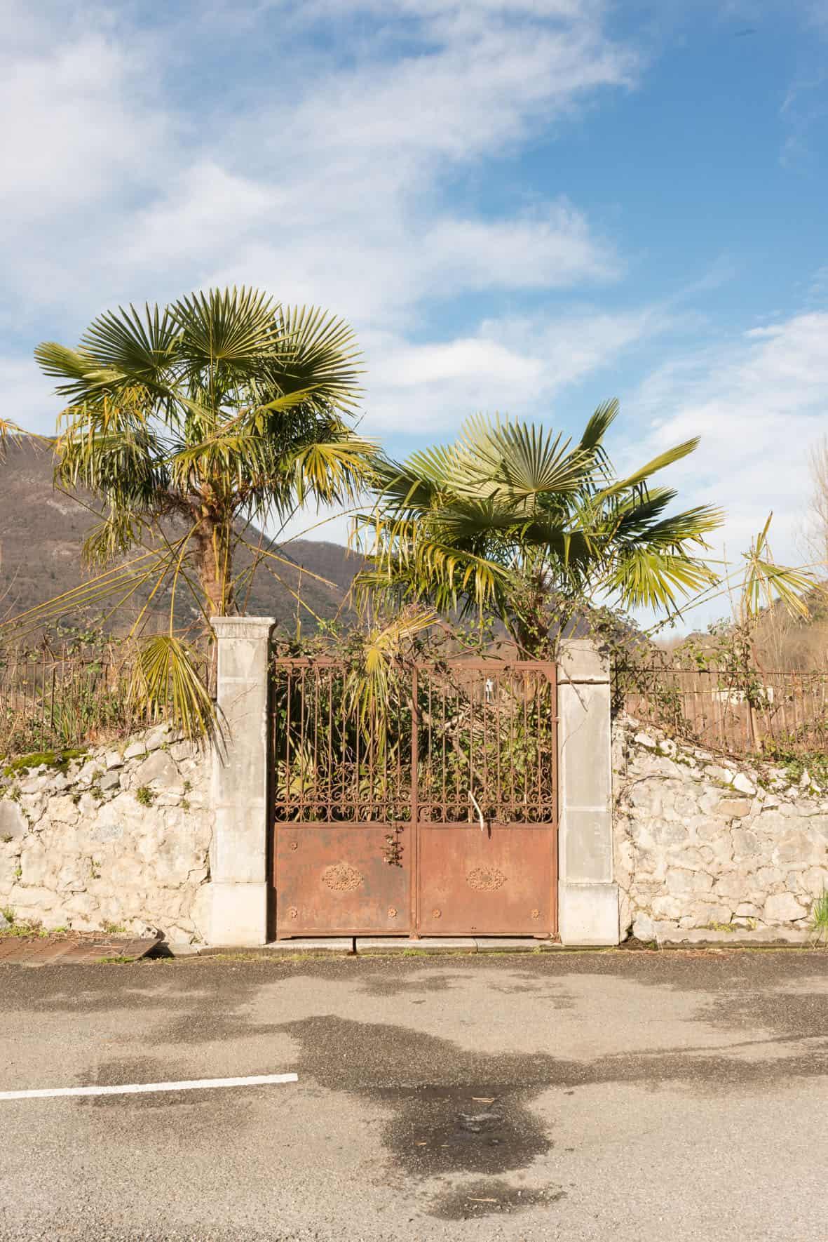 L'entrée d'une des anciennes palmeraies d'Ordet, laissée à l'abandon depuis quelques années (village nommé jusqu'en 1814 Ore)